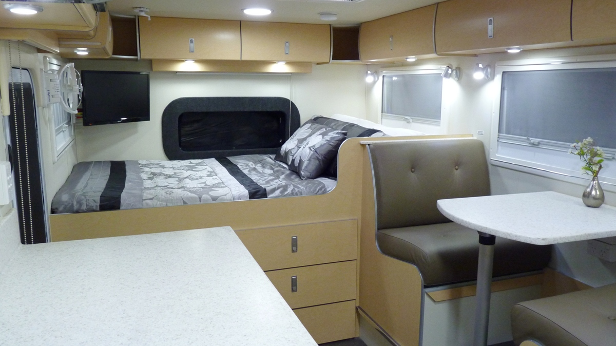 Captivating Slr 4×4 Motorhome Interior (9)